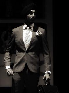 #Singh #Sardar #Suit #Fashion #dapper #blackandwhite #Style #tie #business