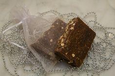 Love My Skin: Oatmeal n' Honey - Top Seller!  Creamy vanilla with fresh oats, golden honey, and vanilla bean. Natural oats exfoliate the skin.