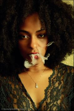 Ebony babe with curly hair nami dahlia spreads her dark