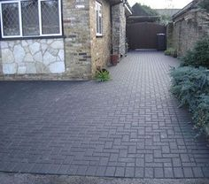 images of block paved driveways Front Driveway Ideas, Block Paving Driveway, Modern Driveway, Driveway Paving, Brick Paving, Driveway Design, Driveway Entrance, Driveway Landscaping, Concrete Pathway