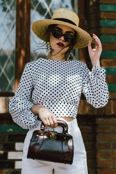 Vintage outfits ideas summer 66 ideas for 2019 Style Outfits, Outfits With Hats, Dress Outfits, Fashion Outfits, Boho Vintage, Vintage Fashion, Retro Vintage, Vintage Bags, Dress Vintage