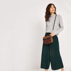 Pants, Fashion, Floral, Trouser Pants, Moda, Fashion Styles, Women's Pants, Women Pants, Fashion Illustrations