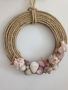 Tried this Pin? Seashell Projects, Seashell Crafts, Beach Crafts, Jute Crafts, Diy Home Crafts, Diy Arts And Crafts, Shell Art, Diy Wall Decor, Diy Wreath