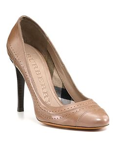 burberry stawell bridle leather pumps $475.00
