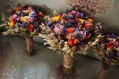 A Romcom-Worthy Love Story: Lynda & Feargal's Rosleague Manor Wedding   OneFabDay.com Ireland Wedding Cake Rustic, Our Wedding, Vintage Inspiriert, Rose Gold Frame, Air Balloon Rides, Sand Ceremony, First Kiss, Autumn Wedding, Dried Flowers