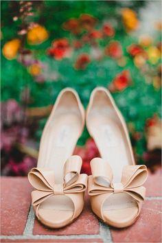 f57411773d08 Green and white natural garden wedding. #weddingchicks Captured By: Mark  Brooke Photography http