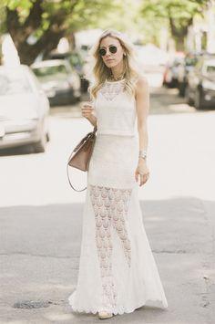 Nati Vozza do Blog de Moda Glam4You fez bonito com esse conjunto de saia longa + cropped de renda e arrasou no look do dia!! http://goo.gl/w6ElPz