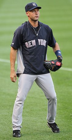 Jeter. There is nothing better than a guy in baseball uniform. Oh my yummy.