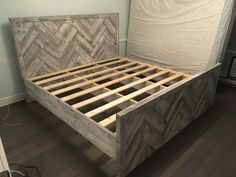 Woodworking For Beginners Diy King Size Headboard, Diy King Bed Frame, Twin Size Bed Frame, Wood Headboard, Headboard Ideas, Headboards, Herringbone Headboard, Bed Frame Design, Pallets