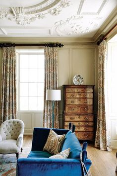 Love this room's colors! morning Room - A painstakingly restored Georgian house nestled in a Somerset valley. The house deservedly won a Georgian Group award in Antique Living Rooms, French Living Rooms, French Country Living Room, French Cottage, French Country Style, French Country Decorating, Georgian Interiors, Georgian Homes, French Interiors