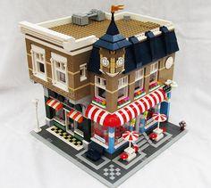 Book store, ice cream parlor, music shop - Lego modular building