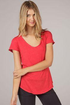 Organic Short Sleeve Scoop-Neck Tee in Red