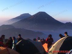 Kangen Naik Gunung? Ini Jalur Pendakian yang Dibuka Lagi per April 2018