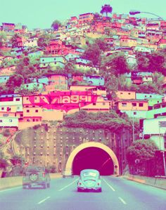 Coming through the tunnel and into the city this image never fails to hit me! Love and miss you Venezuela x
