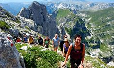 Hiking is a very interesting activity that anyone who has ever tried always testifies of its fun. Here are some top European nations you need to go hiking. Hiking Spots, Go Hiking, List Of Countries, Scandinavian Countries, Swiss Alps, Le Moulin, Lake District, Long Distance, Continents