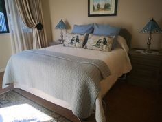 Sunbird Haven - Sunbird Haven is a room only establishment located on the Clarens Gold and Leisure Estate in Clarens. Accommodation at Sunbird Haven has two individually decorated rooms. Each room is attached to the .