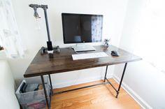 DIY industrial desk plans by the tech agent www.thetechagent.com