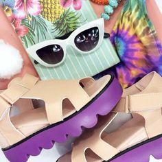 www.everlandclothing.com Everland Flatlay - Flat Lay inspo Platform Shoes, Sunglasses! Tropical Fashion