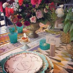 like that just married plate!  (and want that tablecloth:)   bird dog wedding