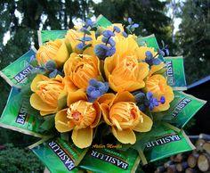 Bouquet with Lindor chocolates and tea Basilur https://www.facebook.com/AtelierMonikaCelenkyBroze?fref=ts