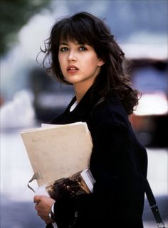 Sophie Marceau portrays the role of ''Valentine Ezquerra'' in the film ''L' Etudiante'' a French romantic comedy film. Isabelle Adjani, Sophie Marceau Photos, Jenifer Aniston, French Actress, Celebrity Babies, Classic Beauty, Pure Beauty, Beautiful Actresses, Most Beautiful Women