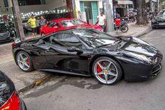 Loạt siêu xe gần 100 tỷ đồng loạt xuất hiện tại Sài thành