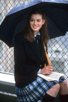 Is it weird that i COVET Anne Hathaway circa The Princess Diaries? The hair! The uniform! The awkwardness!