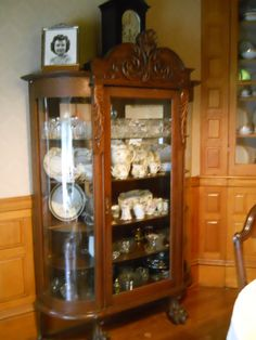 Antique Dishes and China Cabinet. Antique Dishes, Vintage Dishes, Antique Glass, Victorian Furniture, Antique Furniture, Victorian Decor, Dinning Room Sets, Vintage China Cabinets, Cool Room Decor