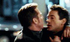 kiss kiss bang bang - Val Kilmer goes in for the smooch with Robert  Downey Jr.