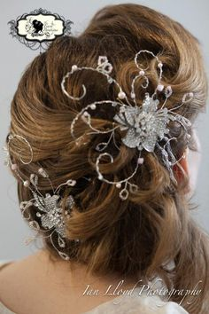 Hair vine from The Tiara Boutique
