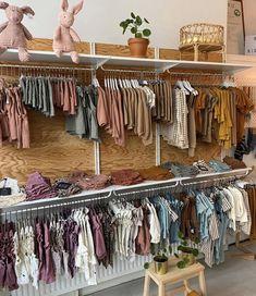 Boutique Interior, Clothing Store Interior, Clothing Store Displays, Clothing Store Design, Boutique Decor, Shop Interior Design, Boutique Design, Baby Store Display, Storing Baby Clothes