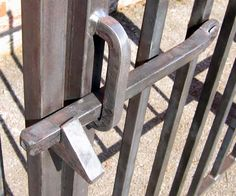 Wrought iron work, metalworking & blacksmith - Gates & Railings - The Best Welding Projects Examples, Tips & Tricks Steel Gate Design, Door Gate Design, Metal Gates, Wrought Iron Doors, Iron Gates, Metal Projects, Welding Projects, Welded Furniture, Gate Latch
