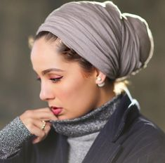 Ideas how to wear hijab headscarves turban style Hijab Turban Style, Mode Turban, Hijab Chic, Hair Scarf Styles, Curly Hair Styles, Natural Hair Styles, Hijab Styles, Turban Tutorial, Hijab Tutorial