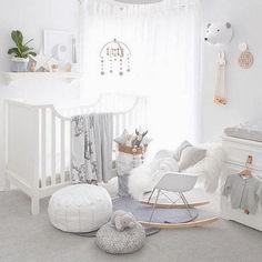 Adorable Gender Neutral Kids Bedroom Interior Idea (20)