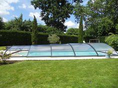 La cubierta telescópica baja consta de un mecanismo de movimientos suaves y ligeros, para cubrir y descubrir la #piscina sin ningún tipo de esfuerzo.
