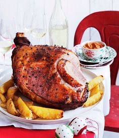 Tony tan: Pineapple & rum glazed christmas ham with tomato sambal Christmas Ham Recipes, Christmas Turkey, Christmas Lunch, Christmas Cooking, Christmas Ideas, Christmas Dinners, Christmas Breakfast, Christmas Drinks, Holiday Dinner