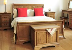 French Style Versaille Rustic Oak Sleigh Bed - Light wood - Wooden Beds - Beds