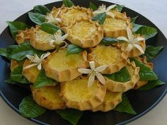 Top 10 foods to try in Cheese Pies (Kaltsounia) – Kavousanos Apartments Cheese Pies, Snack Recipes, Snacks, Crete, Soul Food, Cantaloupe, Potato Salad, Pineapple, Goodies