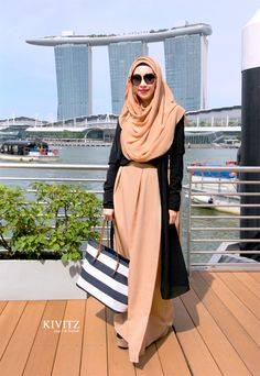 This is Fitri Aulia. Founder or Kivitz Local Indonesian Brand Hijab.