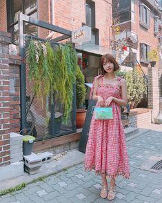 "Sunny Dahye on Instagram: ""❤️saturdate with the bf ❤️btw iseng2 nanya ni guys kalo aku bikin brand clothing sendiri pada bakalan interested ngga ? Dan kalo affordable…"" Ulzzang, Sunnies, Dan, Guys, Relationship Goals, Model, Photography, Clothes, Instagram"