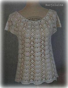 Fabulous Crochet a Little Black Crochet Dress Ideas. Georgeous Crochet a Little Black Crochet Dress Ideas. Crochet Sweater Design, Crochet Tunic Pattern, Crochet Blouse, Crochet Designs, Crochet Patterns, Knitting Patterns, Débardeurs Au Crochet, Crochet Mignon, Pull Crochet