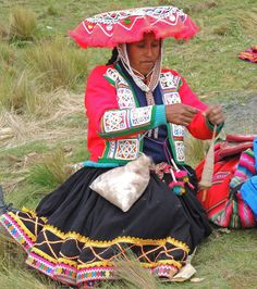 Alpaca is handspun and used for knitting and weaving. PERU.