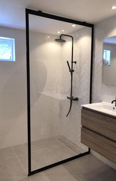 Small Bathroom Interior, Bathroom Design Luxury, Bathroom Renos, Dream Bathrooms, Beautiful Bathrooms, Home Room Design, Home Interior Design, Small Cottage Interiors, Bathroom Inspiration