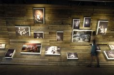 Snapshot Memento was a photography exhibition during the summer of 2010, installed in the gallery Terres Rouges at the Kulturfabrik in Esch-Alzette. 2001 designed the exhibition layout and scenography.