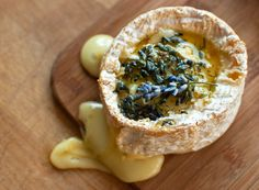 baked camembert with lavender, honey, and thyme Food N, Food And Drink, Baked Camembert, Fromage Cheese, Culinary Lavender, Lavender Recipes, Potato Bites, Pizza Bites, Cheesy Recipes