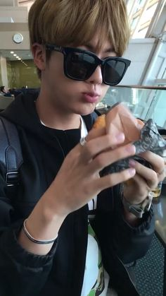 Find images and videos about kpop, bts and jungkook on We Heart It - the app to get lost in what you love. Seokjin, Kim Namjoon, Kim Taehyung, Hoseok, Jimin Jungkook, Daniel Molo, Pichu Pokemon, Charmander, V And Jin