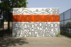 """Keith Haring - Crack is Wack Keith Haring's """"Crack is Wack"""" handball court mural was painted in 1986 as a reaction to the growing crack-cocaine epidemic in NYC. Originally created with out the city's. Banksy Graffiti, Street Art Graffiti, Keith Haring, Haring Art, Matisse, World Street, Inspiration Art, Hip Hop Art, Street Culture"""