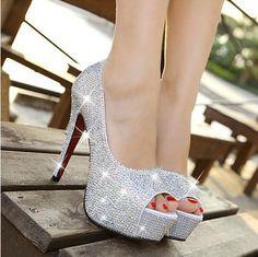 Wedding Shoes : http://bit.ly/1bdIT7l