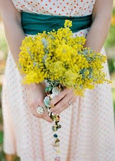 gorgeous wattle bouquet, with buttons!