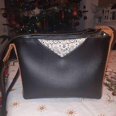 Filauchette 🧵🥢 sur Instagram: Cadeau de Noël de maman, sac #mambo déjà réalisé dans des tons complètement différents. Ici nous avons un simili cuir noir Valentino…